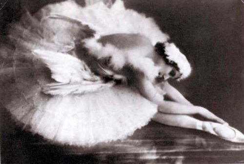 Anna-Pavlova-in-the-Death of the-Swan