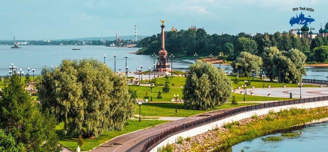 The-Park-on-the-Sino-Soviet-Island-in-Yaroslavl